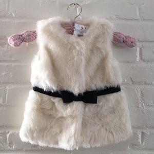 🌼 HP!! 🌼 Janie and Jack Faux Fur Vest